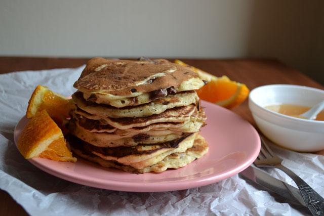 Портокалови палачинки с шоколадови парченца