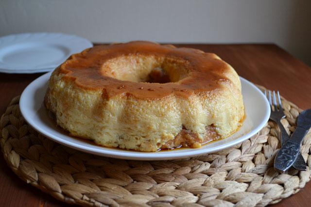 Крем-карамелена торта
