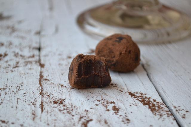 Рецепта за шоколадови трюфели с червено вино