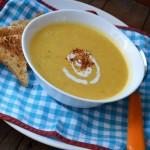 Пикантна крем супа от тиква