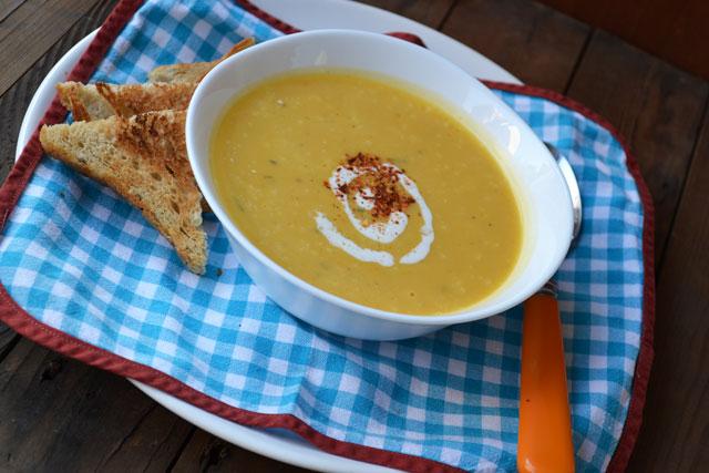 Рецепта за пикантна крем супа от тиква